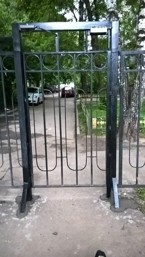 - Монтаж электромагнитных замков на калитки